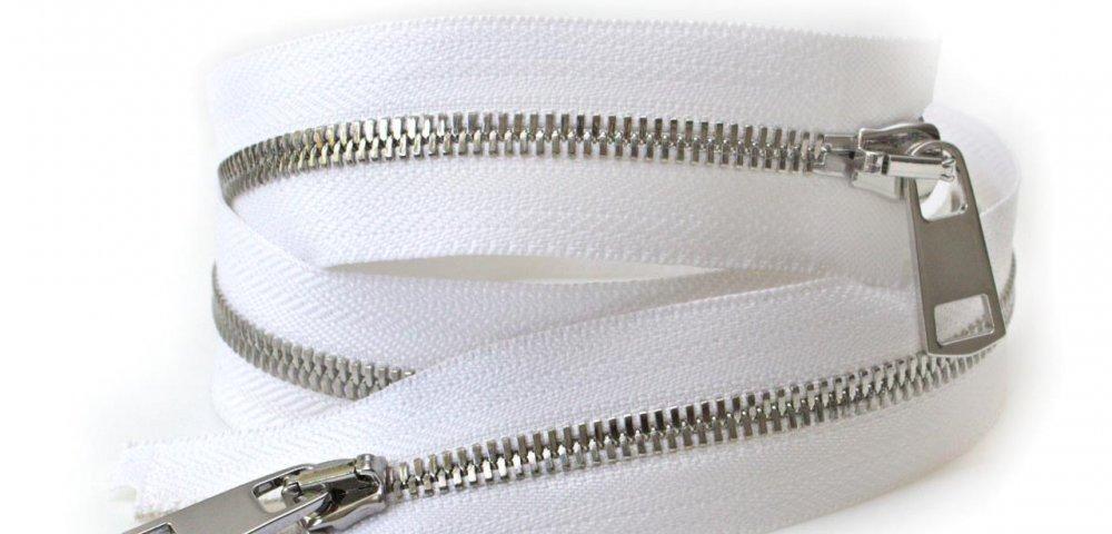 Двозамкова блискавка - відмінний вибір застібки для верхнього одягу